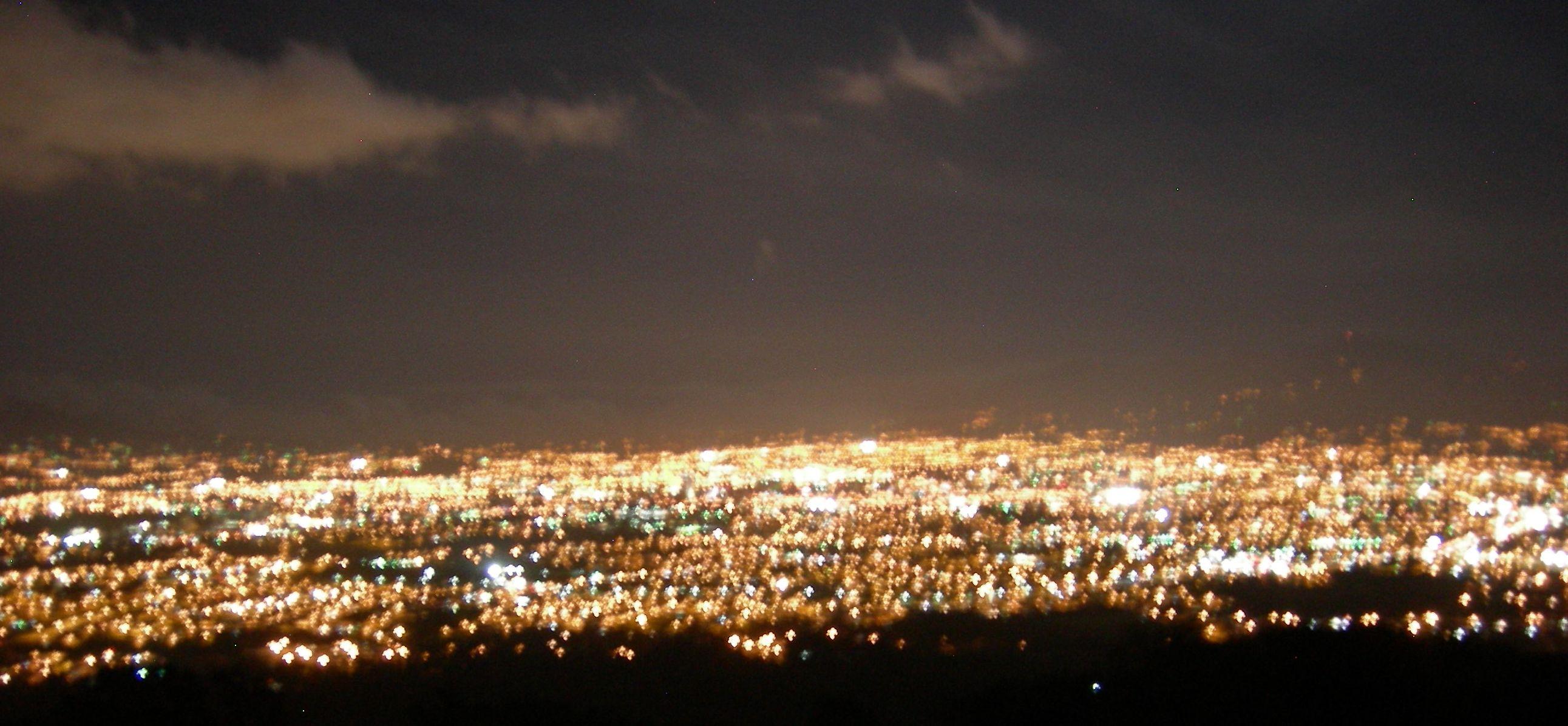 Noche Vista de Valle