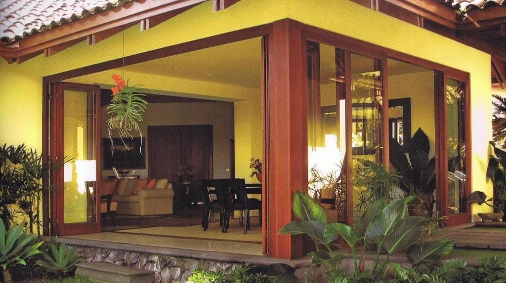 Corner sliding door with post, Montaña Paraiso, Escazu, Costa Rica