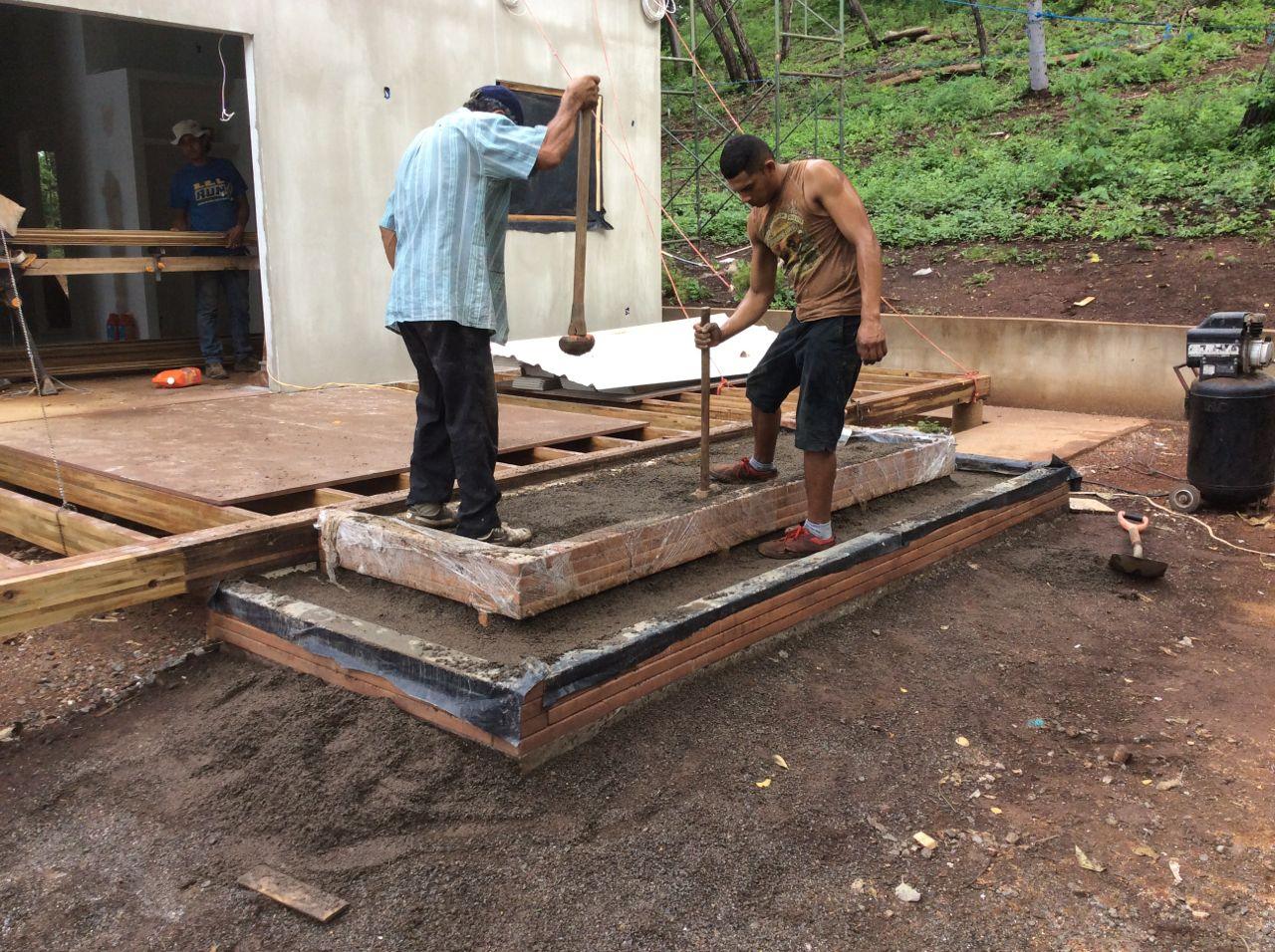 Compacting step base